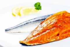 Makrelenfilet in Kräuterbutter